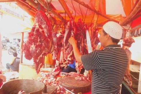 Penjualan Daging Sapi Lokal di Pasar CIsalak Depok